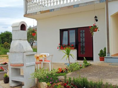 Photo for Private cheerful couple apartment - outdoor sitting area, barbecue, private parking