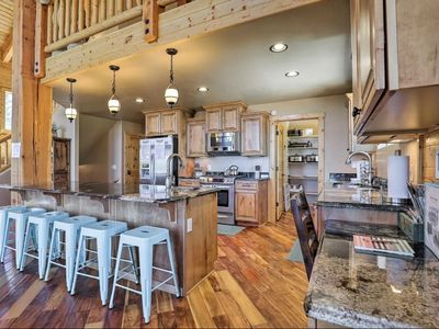 9 bedrooms- Two Luxury Cabins SIDE BY SIDE~ games, parking, private location!