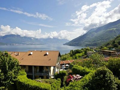 Photo for 3-room apartment terrace, garden, balcony and dream lake view