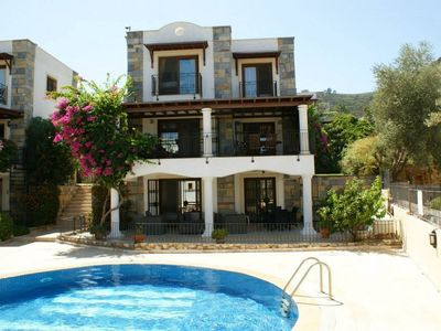 Photo for Private triplex Detached Villa with 4 double bedrooms