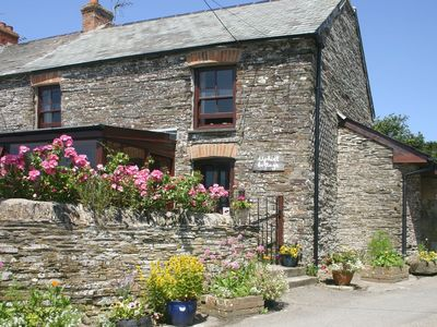 Photo for UPHILL COTTAGE, pet friendly, with open fire in Penrose, Ref 976328