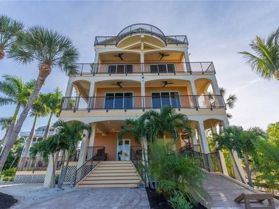 Photo for LUXURIOUS UPSCALE GULFFRONT HOUSE ON WITH GREAT VIEWS, PRIVATE POOL, & 2 CARTS!!