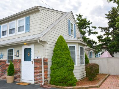 Photo for less than a mile from RWU, walking distance to downtown  historic Bristol