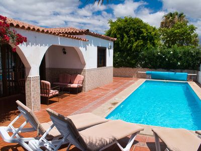 Photo for Lovely 3 bed villa with private pool and air con!