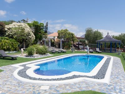 Photo for Beautiful 2 bedroom villa with sea views