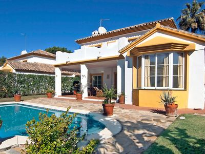 Photo for This 3-bedroom villa for up to 6 guests is located in Calahonda and has a private swimming pool, air