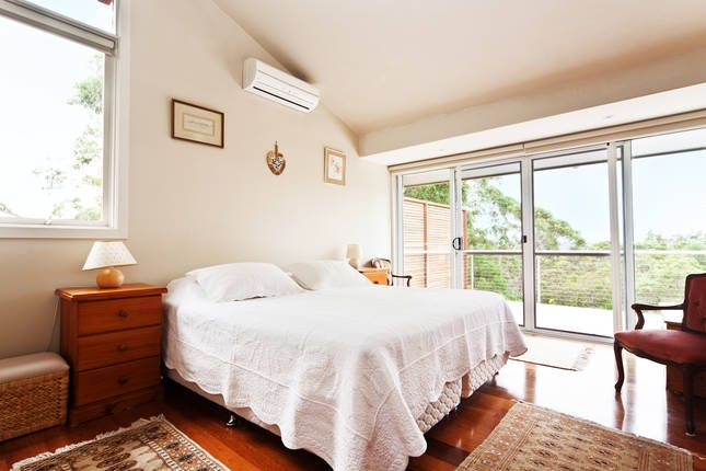 Treetopz:secluded with pool & Pittwater views