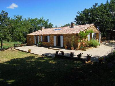Photo for Uzes 6 km - Old barn with pool. Exceptionally quiet setting.