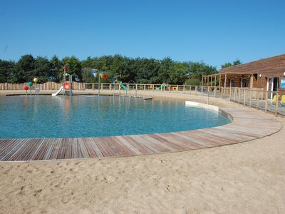 Photo for Amazing bungalow with pool access