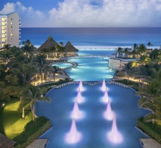 Photo for Amazing Beachfront Condo for 8 people in the best location in Cancun Hotel Zone!