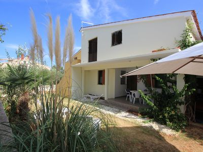 Photo for Inexpensive apartment in Medulin with bedroom, kitchen, bathroom, air conditioning, terrace, garden with barbecue and only 1 km to the sandy beach