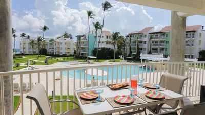 Spacious balcony with ocean view and great breeze just 30 seconds to beach
