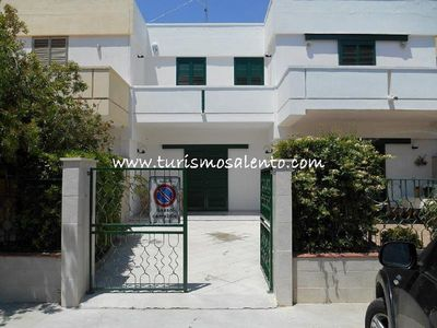 Photo for Villetta Gallipoli Baia Verde, large outdoor areas, 150 meters from the beach 8 seats