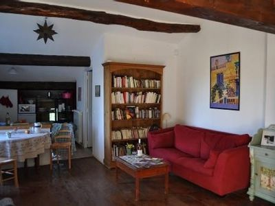 Photo for Charming apartment in Provencal farmhouse with large pool close to Avignon