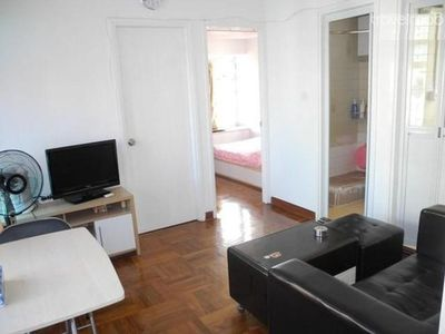 2BR apt  near Mong Kok Walking St