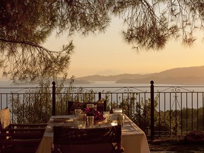 Photo for Villa with stunning view out to the sea accross the viladge of Glossa