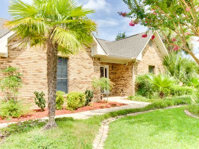 Photo for Large home w/ private pool right on golf course - snowbirds welcome!