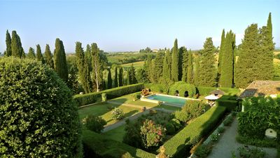 Walled garden with pool, pergola, rose garden, hut, limonaia, etc.