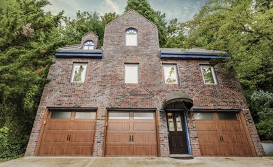 Castle like home in SW PDX, close to downtown!