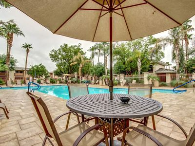 NEW! Ground Floor! Heated Pool! Hot Tub! Gas grills! NFL & Spring Training close