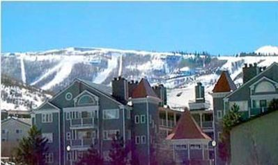 Photo for Luxury 3 Bd/3Bth, minutes from slopes! Shuttle Route, Wifi