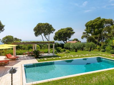 Photo for Cap Ferrat - Large family home