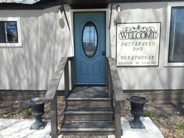 Photo for 3BR Guest House Vacation Rental in Pittsfield, Illinois