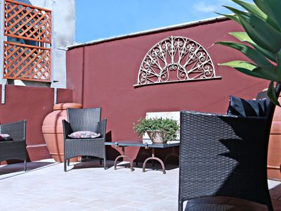 Photo for Noto Central apartment in Noto with WiFi, integrated air conditioning & private terrace.