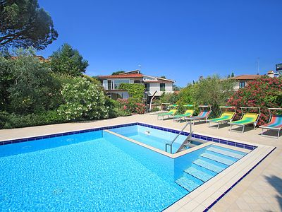 Photo for 6 bedroom Villa, sleeps 13 in Bobolino with Pool, Air Con and WiFi