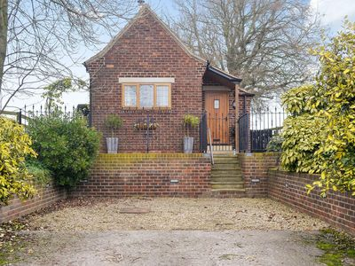 Photo for 1 bedroom property in Ripon. Pet friendly.