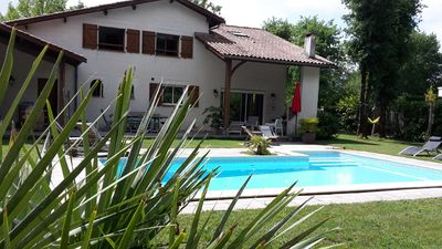 Photo for Villa 180 m² near the forest, swimming pool, between Bordeaux and the ocean.