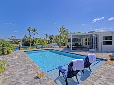Photo for 3 bedroom private pool home in Key Royal