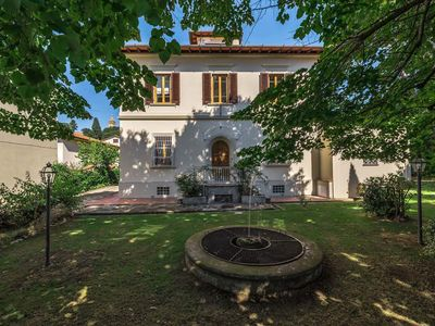 Photo for Charm villa with private garden and pool near Florence. 5 double bedrooms.