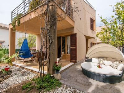 Photo for 3 bedroom Villa, sleeps 5 with Air Con, FREE WiFi and Walk to Shops