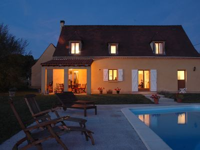 Photo for Dordogne: Luxury house, edge of town, 4 en suite bedrooms, private heated pool