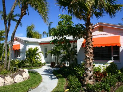April 11 wk $100 off. Clearwater Beach 2/1 cottage, heated Pool, walk to beach