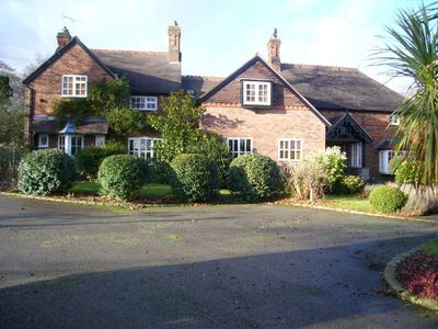 Photo for Luxury 5 Bed Country House in Nantwich, Cheshire