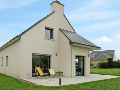 Photo for Vacation home Golf de Bretagne 354 (RHU354) in St Gildas-de-Rhuys - 8 persons, 5 bedrooms