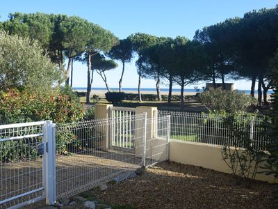 Photo for Beautiful seafront apartment 39 m² Air conditioning Wifi Parking