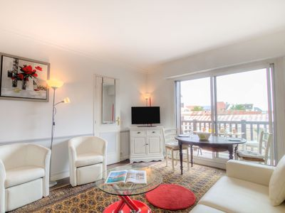Photo for Lovely apartment with WIFI, TV, balcony and washing machine