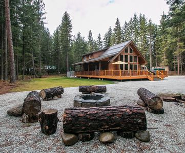 Photo for Getaway Moose, private hot tub with big yard and WiFi