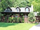 3BR Cabin Vacation Rental in Lancaster, Tennessee