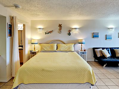 Photo for SB124; 1BR Efficiency, 1 King bed, 1 Futon, Full Kitchen, 1 Block to Beach