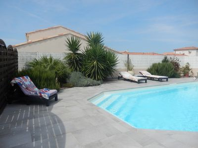 Photo for air-conditioned detached house with heated pool
