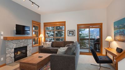 Photo for Mountain Star #1  2 Bed + Den Townhome, Nearby Ski Access, Private Hot Tub