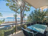 Good property, clean and furnished, exceptionally well located with breathtaking views of the bay