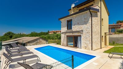 Photo for Charming villa with private pool and garden