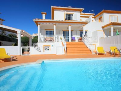 "Photo for Very nice villa for 6 persons with private pool and wi-fi in the center of Albufeira, 2.2 km from the central ""Fishermen"" beach."