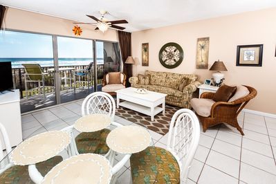 Breathtaking Living area - Gorgeous spacious living room with amazing views of the Emerald Coast.