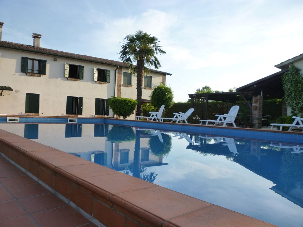 Holiday House With Swimming Pool Near Padua And Venice Ghetto Case Gottardo Vo 39 Veneto